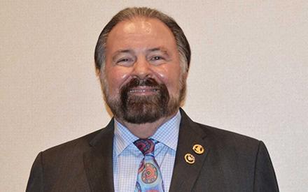 Hoyt Elected DU President